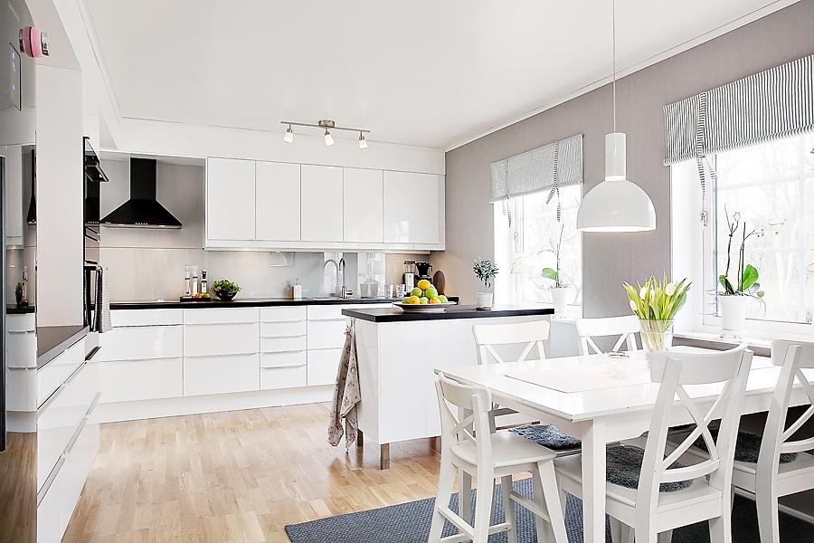 Renovera kök inomhus Måleri tapetsering